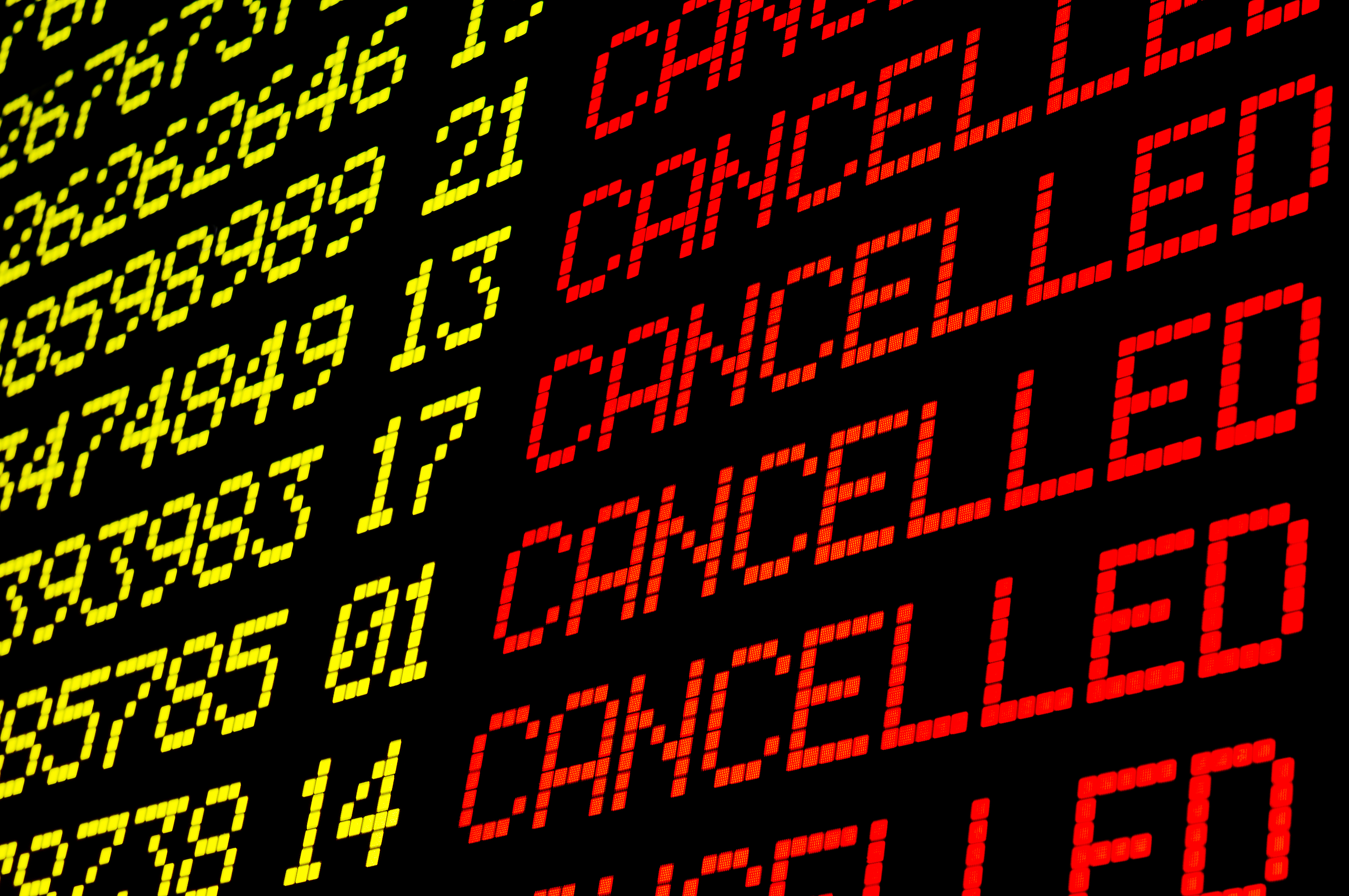 EU Airlines Must Now Compensate Travelers for Connection Delays