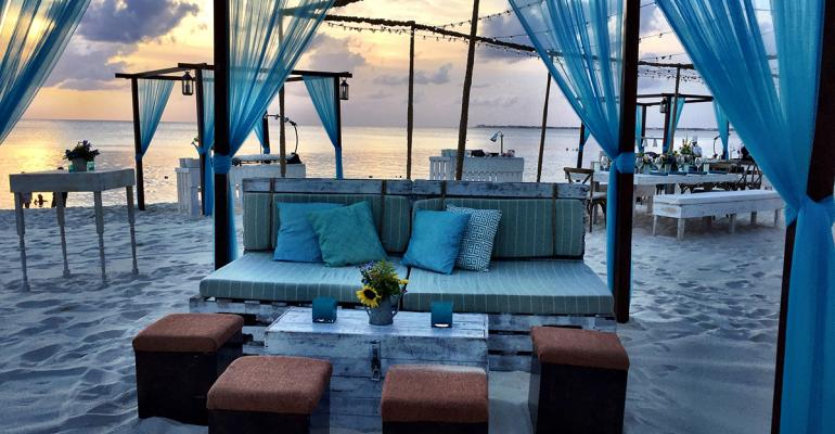 Gorgeous Grand Cayman Hosts Ritz-Carlton Insurance Advisory Council