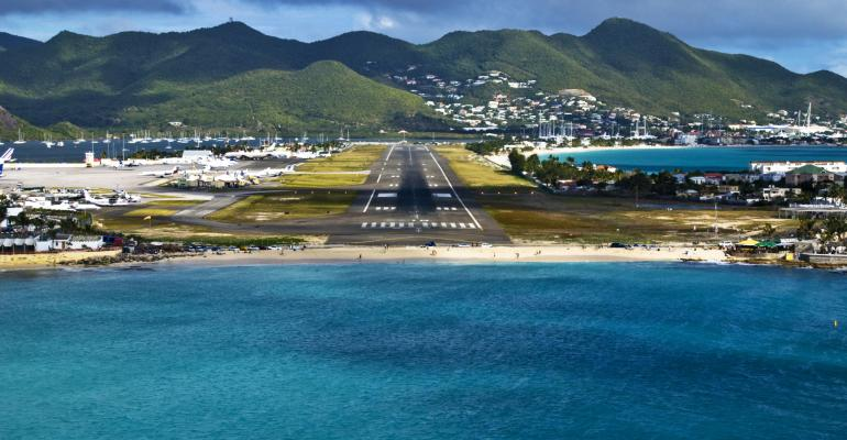 The 10 Most Dramatic Airport Landings