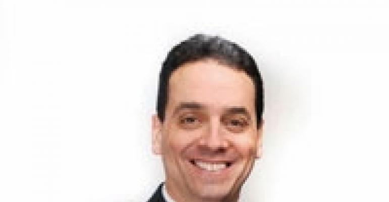 Bob Nelson vs. Dan Pink on Employee Motivation