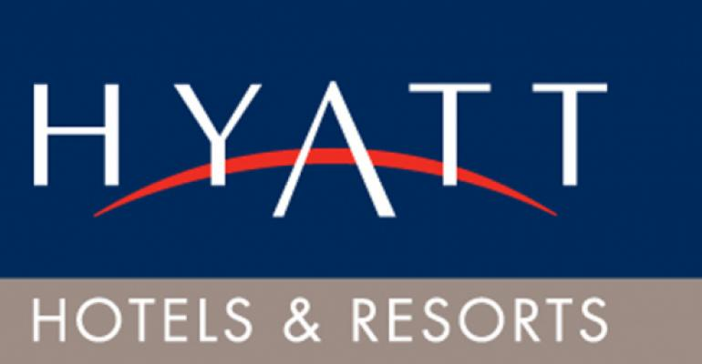 Hyatt Hosts Insurance & Financial Planners for Networking and Giving Back