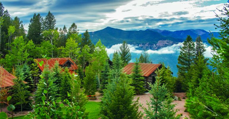 Broadmoor Builds Mountaintop Meeting Space