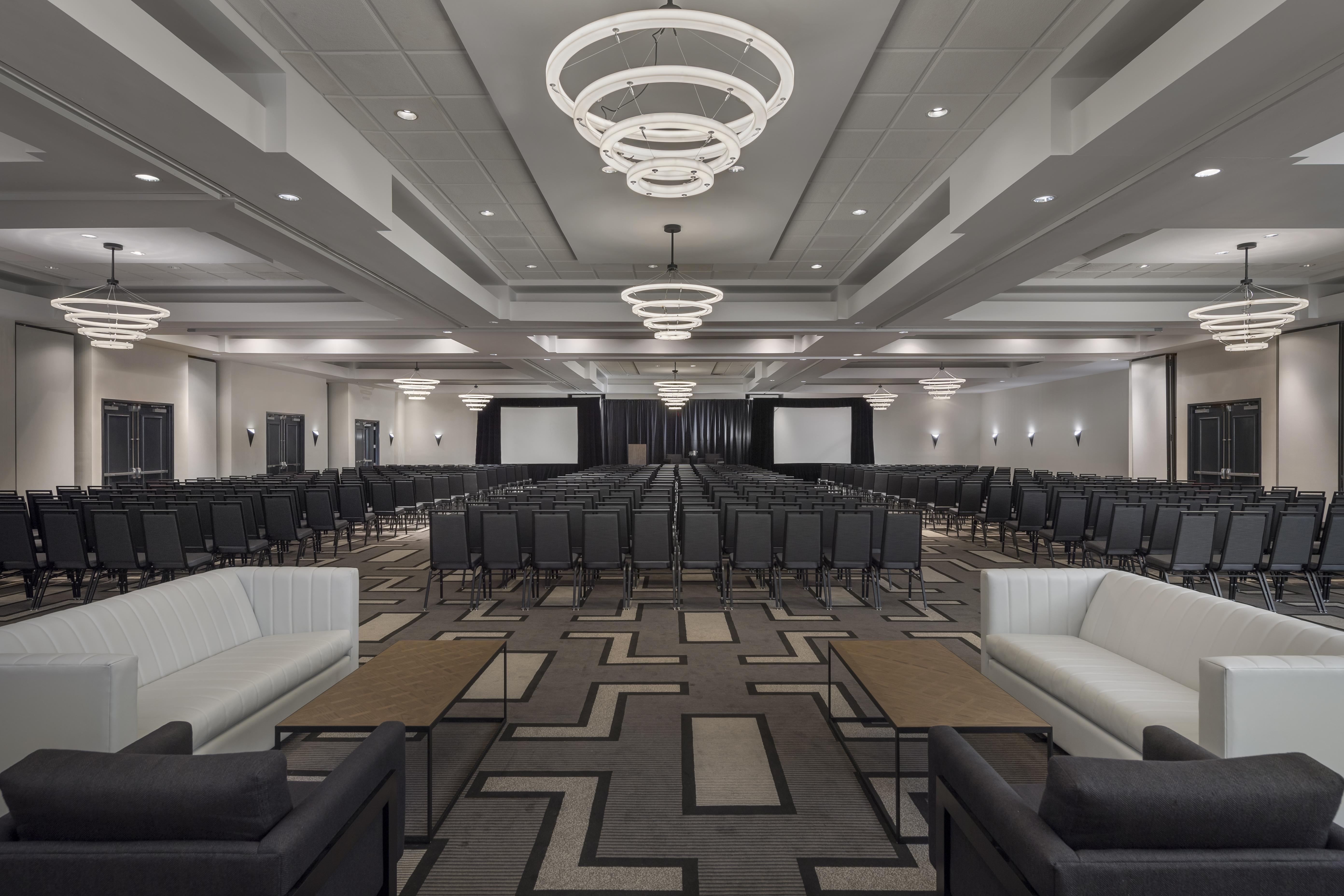hilton boston woburn renovation goes back to the future. Black Bedroom Furniture Sets. Home Design Ideas