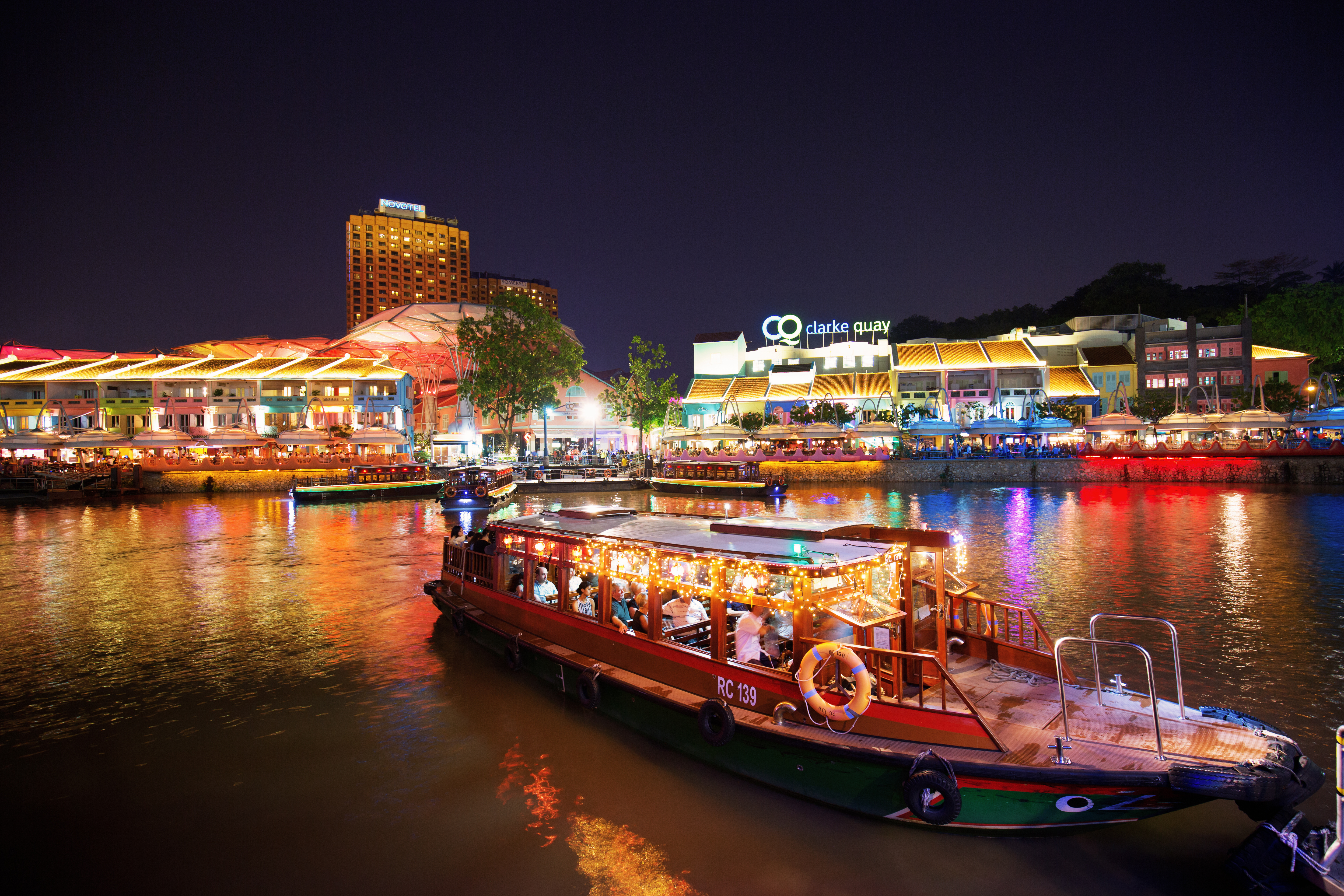 Bumboat ride along the Singapore river