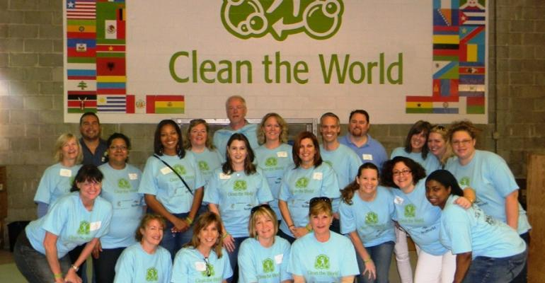 Community Service at Pharma Forum 2012: Cleaning the World