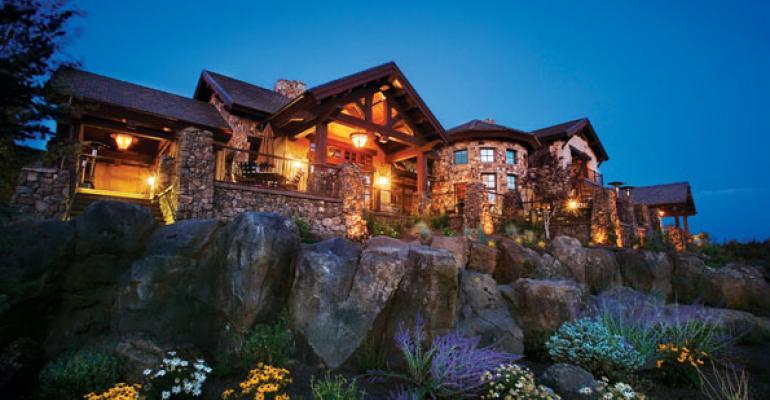 Oregon Golf With Cascade Mountain Views